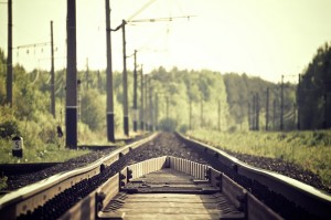 railroad-tracks-336532_640